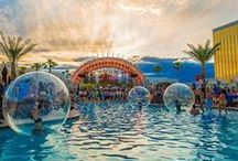 Bubble Girls / Water and stage spheres performances by Novelty Las Vegas