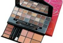 Avon Gift Sets / Avon gift sets are all about value! Shop for Avon deals and find Avon gift sets for Christmas, birthdays, or just to treat yourself. Buy Avon online by clicking on any of the pins or going to www.youravon.com/eseagren.