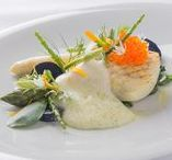 Dining Experience / Our head chef sources the best and the finest ingredients in pursuit of culinary excellence
