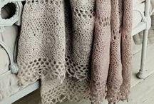 Lovely blankets / dekens, gehaakt, wol