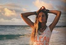 Summer girls / Beach girls