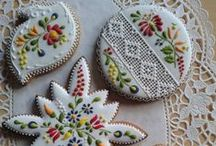 The world of cookies / all kind of cookies including the recipes and tips how to decorate them.