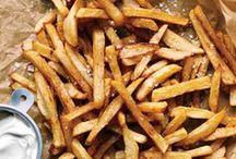 Fast food / Le fast-food maison, il n'y a rien de meilleur ! Frites, potatoes, nuggets, hamburger, tout est réalisable pour se faire plaisir sainement...  #fastfood #faitmaison #frites #burger #hamburger #nuggets http://www.750g.com/recettes_fast_food.htm / by 750 Grammes