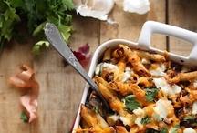 Gratins, malins ! / Retrouvez toutes nos idées recettes pour vous régaler : Courgettes, aubergines, poivrons, tomates, pommes de terre, le choix est large !  #gratins #750grammes http://www.750g.com/recettes_gratin.htm / by 750 Grammes