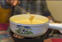 Cheese fondue recipes / Cheese fondue recipes and cheese fondue ideas. Check out www.thetabletopcook.com for more inspiration! #cheese-fondue-recipes #cheese-fondue #fondue-ideas