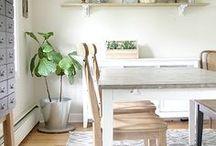 Farmhouse Decor Ideas / The best farmhouse decor ideas for the home found around the web.