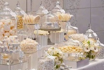 Gatsby Inspired Party / Glamorous and decadent are the hallmark of a Gatsby theme party! Think diamonds, feathers and art deco pieces to accent your event!