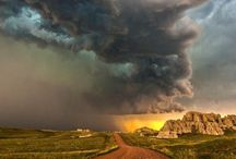 Weather / What nature produces in spectacular form