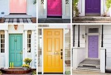 Knock Knock. Who's there? / #interior #home #drzwi #door #kolorowedrzwi #kolor #color #colordoor #house #design #ideas