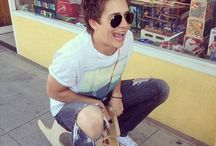 Billy Unger / I love Billy Unger sooooo much I want to meet him so bad!!!! / by Maritza Solis
