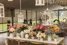 Flores & Decoración / ¿Tienes dudas sobre qué ramo escoger? ¿No sabes por qué color decidirte en tu centro de mesa? ¡Aquí encontrarás las mejores ideas para hacer una selección de #flores!