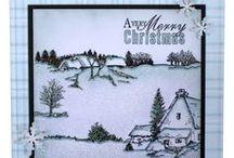 Farmhouse Scene-it / This is the gorgeous new scene-it set designed by Sharon Bennett. Clear set consists of 12 stamps. Create and build up beautiful scenes using varied designs also suitable to be mixed with other scene-it sets. As seen on Create & Craft