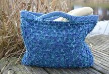 Crochet Bags and Totes / Crochet a variety of bags, totes and purses.