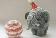 Crochet Amigurumi Cuties / Cute amigurumi toys to cuddle with.