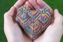 Knitting Hearts / Knit gorgeous love hearts