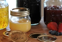 Kilner Preserve Jars / Kilner's range of pretty screw top jars are brilliant for organising the home. Kitchen condiments and bathroom body scrubs, they can really make anywhere beautifully clutter free.  www.kilnerjar.co.uk