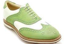 Il Gergo Golf Uomo / Le scarpe #Luxury #IlGergo si prestano alla perfezione per il tuo stile più curato e raffinato. La collezione #Luxury #IlGergo comprende le scarpe da #Golf, realizzate con costruzione #GoodyearWelted e guardolo a elle per garantire la massima impermeabilità anche sui campi da gioco più bagnati. Le scarpe in culatta di cavallo dalla conceria #Horween rappresentano perfettamente lo spirito del #lusso della collezione da uomo #IlGergo. #MadeInItaly 100%.