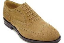 Il Gergo Brogue Uomo / Per un #look #impeccabile e uno stile invidiabile dalla testa ai piedi, le scarpe #IlGergo sono perfette per ogni momento della giornata o occasione. #Derby, #Oxford, traforata con coda di rondine o con bucatura e sbizzettatura, le scarpe #IlGergo sono la scelta ideale per un look #elegante e #casual. Realizzate a mano con costruzione #Blake o #GoodyearWelted. #MadeInItaly 100%.