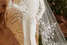 How about this for a wedding dress? / Fun, extraordinary, rich in detail or even crazy wedding dresses. Be inspired!