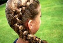 Inspiração: penteados com tranças para meninas / Imagens que fazem parte do post do blog: http://amaedadrii.blogspot.com.br/  Retiradas do Google