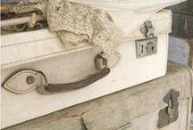 Valises antiques,vieux coffres