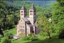 Escapade dans le Florival - Guebwiller - Alsace / A l'image de Guebwiller, sa «capitale», la vallée du Florival plaira aux amateurs de nature tout autant qu'aux férus de patrimoine. Les édifices religieux y sont nombreux et remarquables. La nature verdoyante enserre tous les villes et villages : vignobles, forêts, étangs....On vous propose donc une pause sacrée ou une sacrée pause - comme vous préférez ! - dans les jardins du Florival.