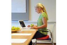 Dynamiczne siedzenie / Dynamiczne siedzenie daje ulgę Twojemu kręgosłupowi.
