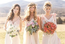 B R I D E S M A I D ideas / From understated gowns, bridesmaids all in white to missmatched, there are so many beautiful ideas to choose from!