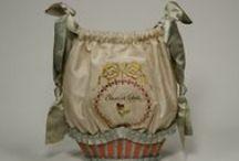 1700-1799 bags & purses / bags, purses, pouches, reticules, pocketbooks etc.