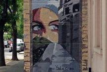 Pintura Urbana en un paseo por Santiago de Chile / Al pasear por Santiago me he encontrado estos interesantes dibujos, algunos muy artísticos otros no tanto, aquí quedaran para la posteridad cuando el tiempo se los halla llevado.