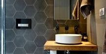 .small modern bathroom. / Making the most of a small bathroom