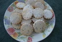 Shortbread Cookies / Sinfully good shortbread cookies.