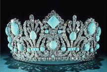 Короны-Coronas / О головных уборах- About headdresses
