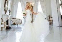 Wedding Fever / Wedding Dresses, Wedding Flowers, Wedding Photography, Wedding Cakes, Wedding Colors.... pretty much all things wedding!