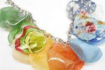 Šperky / Výroba šperků z různých materiálů.