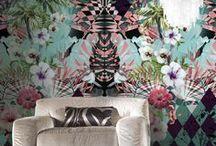 El glamour de Roberto Cavalli / Diseños de Roberto Cavalli para decorar ambientes de luxury. Papeles pintados, textiles para la cama y el baño.