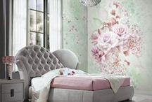 Blumarine y sus glamurosos papeles pintados / Una colección muy glamurosa de papeles pintados y murales con cristales diseñados por Blumarine