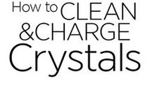 How to Clean and Charge Crystals / Cleansing and charging Crystals are essential practices even for jewelry. Choose the best method/methods for you in this board.
