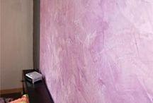 Badistuc / Enduit de chaux colorée. Pour stuc, badigeon ou tadelackt, intérieur et extérieur. Le badistuc est un enduit naturel, sain et écologique, il est facile à réaliser. Couleurs usine teintée dans la masse. Application en 2 couches. Pouvoir couvrant: Badigeon 5 Kg = 60 m². Stuc 5 kg = 15 m².