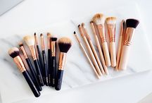 Makeup Products: Brushes