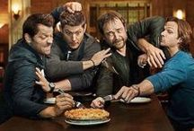 Supernatural / KAZ 2Y5 Saving people. Hunting things. The family business.  CNK 80Q3