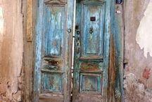 Door, door handles...