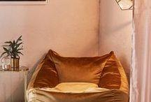 SITZSACK TRENDS / Der Trend des Sommers: Sitzsäcke für Wohnzimmer und Outdoor. Magst du es gern kuschelig mit den Sitting Bull Friends oder eher praktisch mit der Sitzsack-Liege?