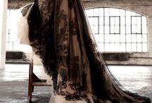 Vera Wang / Dresses