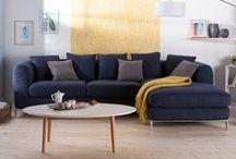 | AU SALON | / Dans le salon, on se relaxe ! Installez-vous confortablement, les canapés et fauteuils sont conçus pour ça !