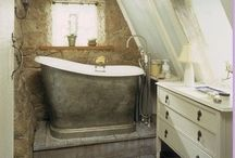 Bathrooms / Grounding and healing while relaxing in serene surroundings.