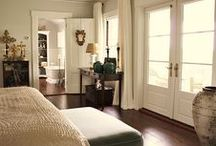 Portes française / Notre vaste gamme de portes vitrées vous permet d'ajouter la touche manquante à votre décor. Elle est offerte dans un grand nombre de finis et de verres.