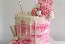 { CAKES } / Delicious recipes and imaginative ideas to decorate a cake