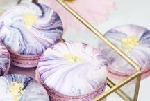 { Macarons } / Macarons or macaroons. Whatever you call them who doesn't love these little drops of heaven?