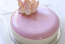 { MIRROR GLAZE } / Beautiful Mirror Glaze Cakes and how to make them